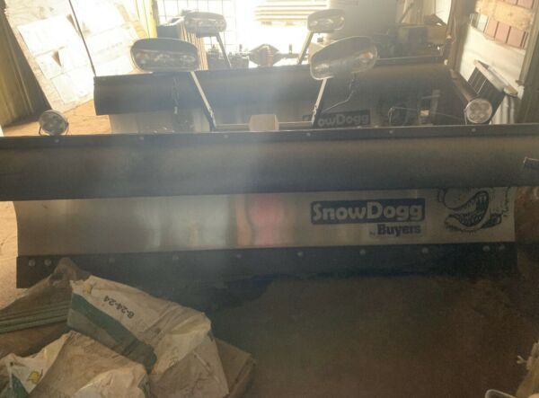 New* Used Twice HT300 Snow Dogg Plow & Mount That Fits 2008-2010 Dodge Ram 4500