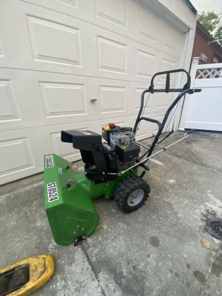 Frontier Snow Blowers ST0524 good working condition