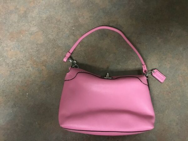 COACH Pink Leather Wristlet Small Purse (CON50)