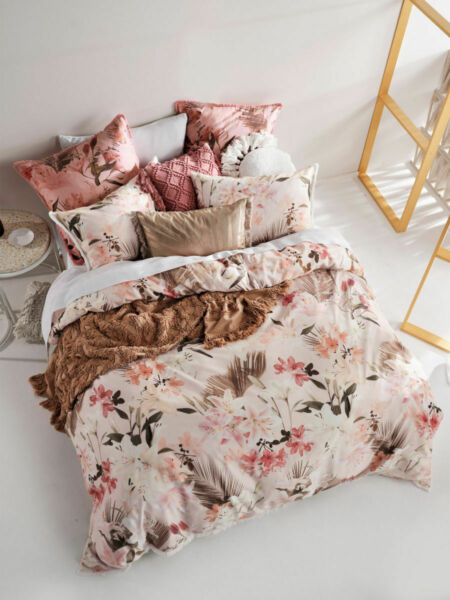 Linen House Holidae Quilt Cover Set Queen King Super King Size AU $223.99