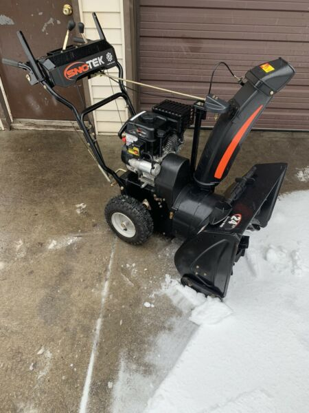 Sno Tek 24 in. 2 Stage Electric Start Gas Snow Blower Run Good
