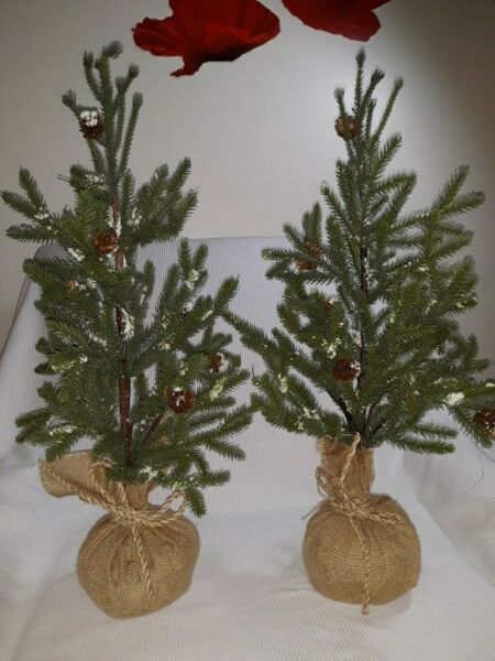 ARTIFICIAL TOPIARY EVERGREEN CHRISTMAS TREES WITH CONES SNOW amp; BURLAP SET OF 2