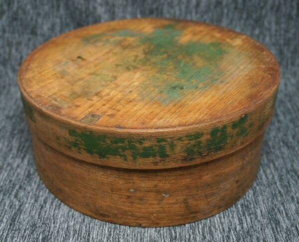 Wooden SHAKER PANTRY BOX 9quot; dia. Original Green Paint Antique Primitive