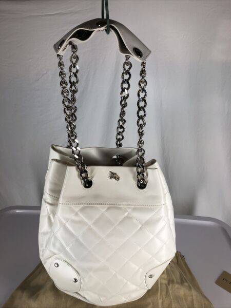 NWT Burberry White Quilted Leather Bucket Bag $475.00