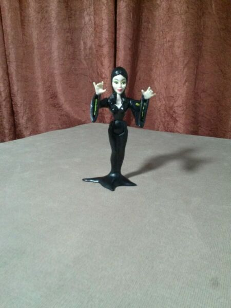 The Addams Family 1992 Morticia Addams Action Figure Playmates Toy