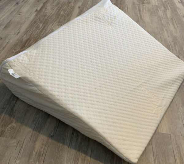 Brentwood Home Wedge12inch Therapeutic Foam Bed Wedge Pillow Acid Reflux $49.00