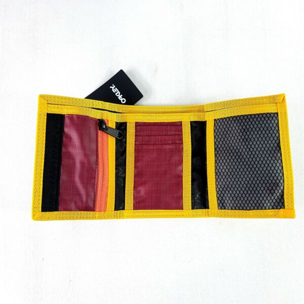 Oakley 90#x27;s Trifold Wallet Sundried Tomato 95154 4ST Brand New NWT Fast Shipping $21.51