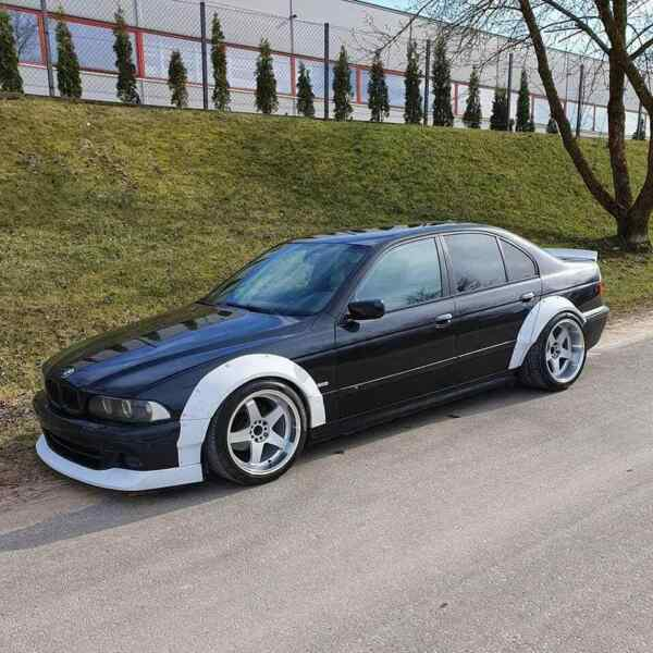 Diveriks Performance BMW E39 TrackMad Widebody Kit