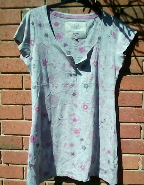 Mantaray Long Top Size 14 grey pink flowers tunic