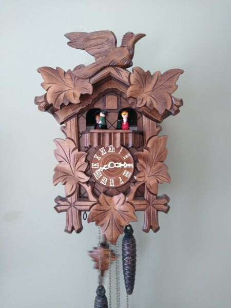 BEAUTIFUL GERMAN BLACK FOREST CARVED MUSICAL CUCKOO CLOCK WIH DANCERS