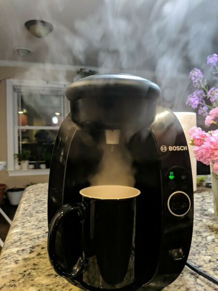 Bosch Tassimo T20 Home Brewing System Glossy Black Quick Hot Coffee