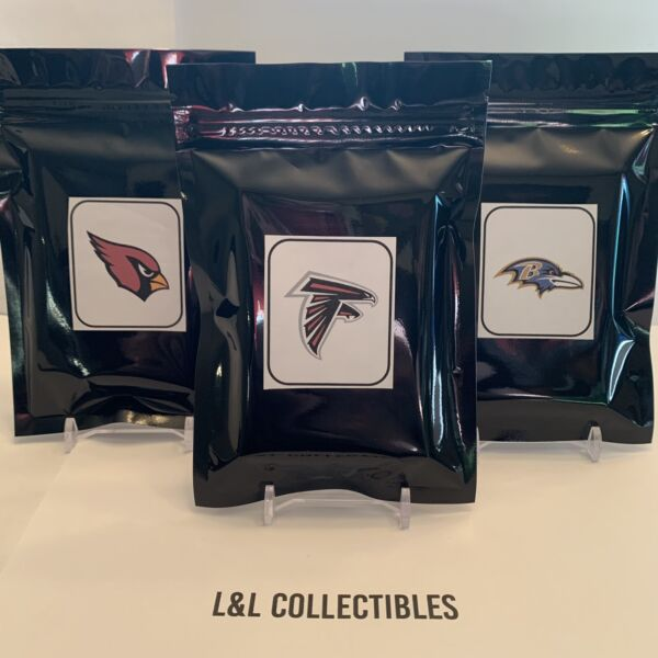 NFL TEAM Packs 2 Hits Auto Patch 20 cards $22.00
