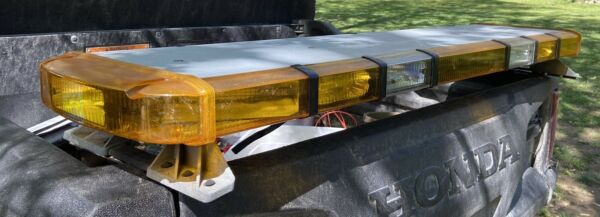 whelen lightbar Amber With Ally Lights And Take Downs