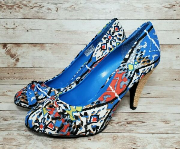 Rocket Dog Size 8.5 Abstract Blue Red Grey Heels Shoes $19.99