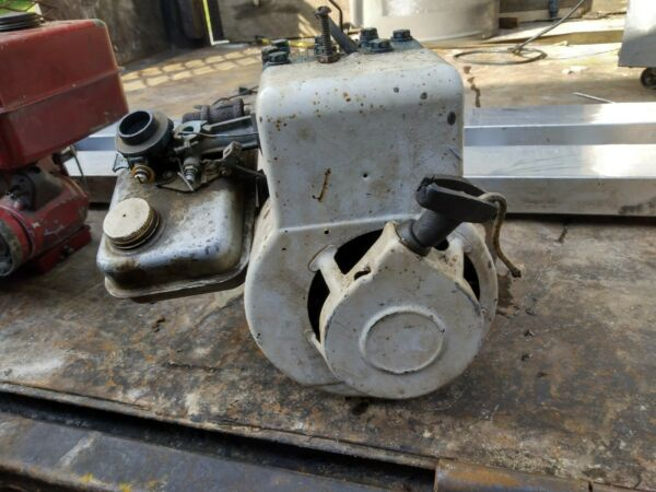 Vintage 2 1 2 hp small engine briggs and stratton antique $99.99
