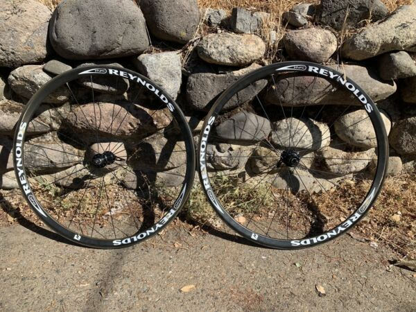 Reynolds Carbon Clincher wheelset 700cc 11 Speed rear Damaged Hubs Are Mint $350.00