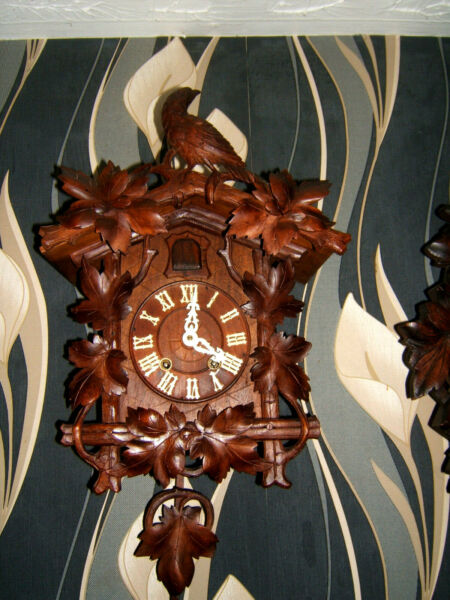 VERY RARE KEY WOUND Antique Black forest LARGE Cuckoo clock Germany 1880