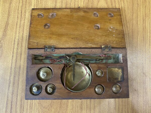 Antique Scales With 6 Weights Monetari Monetali Coins
