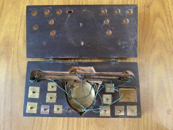 Antique Scales With 18 Weights Monetari Monetali Coins