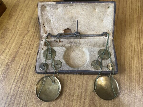 Antique Scales With 6 Weights Monetari Monetali Coin