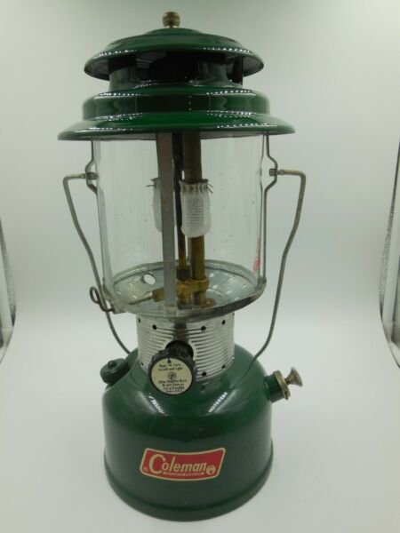 NICE COLEMAN MODEL 220F DOUBLE MANTLE LANTERN 05 1970...PROMPT SAFE SHIPPING $64.99