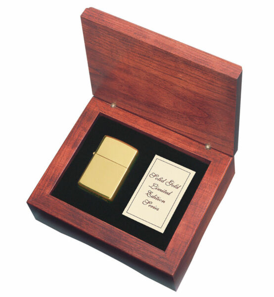 Zippo 18kt. Gold Lighter With High Polished Finish Item 195 New In Wooden Box