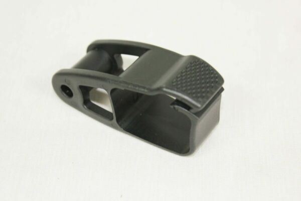 Thule Replacement Square Clip for AirScreen Fairing 8528584001 $4.99
