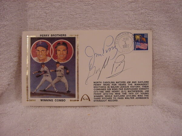 VERY RARE Gaylord & Jim Perry Dual Autographed Brothers Most Wins Cache MINT!!