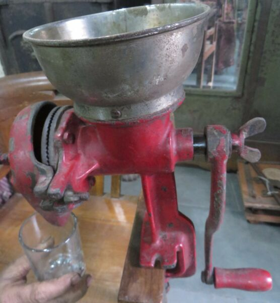 Antique Coffee GRINDER MILL Machine hand crank Cast Iron Red No mark Table clip