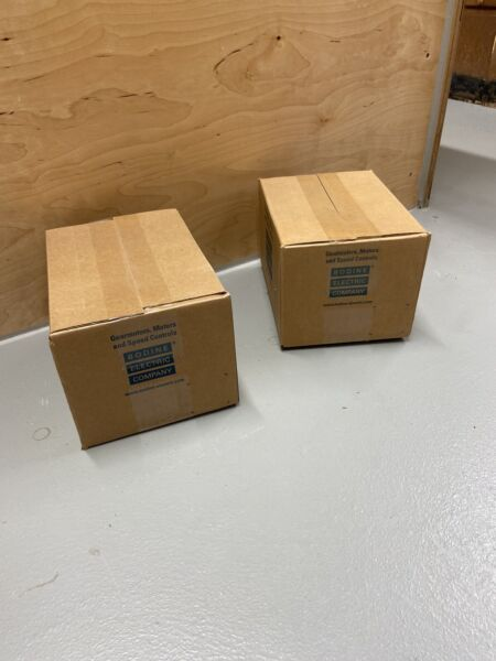 BODINE GEAR MOTOR 12 VOLTS DC 60:1 RATIO SPEED REDUCER  12