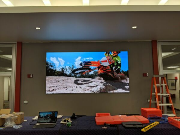 Wall Mount Indoor LED Video Wall 16 x 9ft 3.9mm