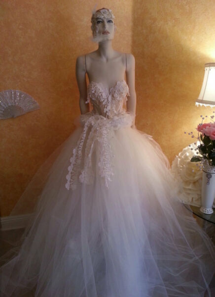 116 PC WHOLESALE LOT OF NEW WEDDING GOWNS & ACCESSORIES MANY STYLES & SIZES
