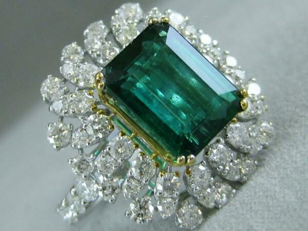 ESTATE 5.61CTW DIAMOND EMERALD 18KT GOLD HALO COCKTAIL ENGAGEMENT RING #1.337915