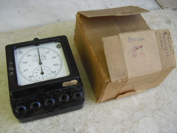 1950's EAW - Germany - Electrical Frequency Chronometer Instrument - Bakelite
