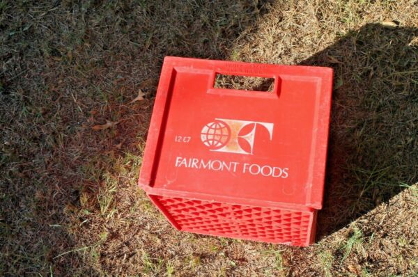 VTG FAIRMONT FOODS Produce Produce Crate with side handles + Logo FREE SHIP!