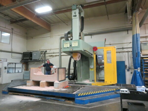 JOBS 5 Axis Vertical machining Center new 1998 Jomach 32