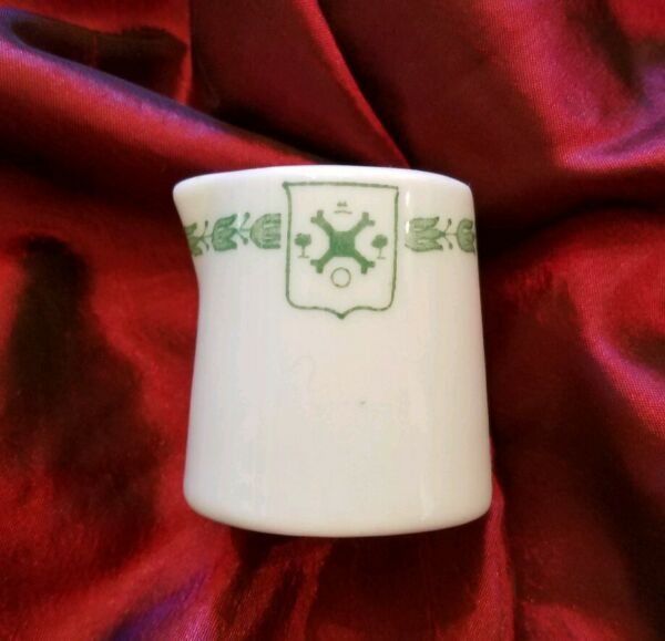 RARE Edgewater Beach Hotel Chicago Il Creamer - Top Marked - Great Shape!