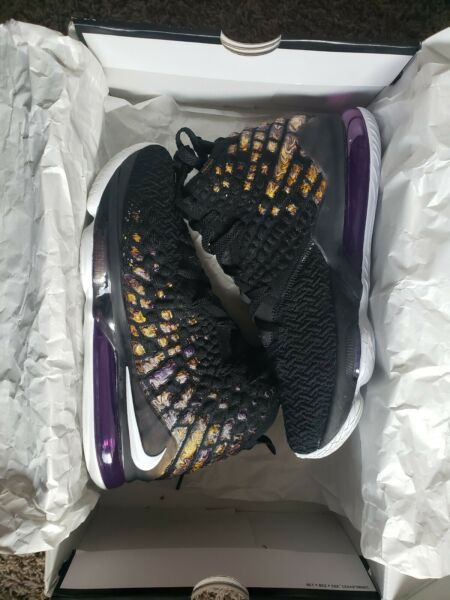 mens lebron 17  sneakers size 9