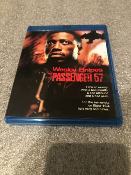 Passenger 57 (Blu-ray Disc 2013) Great Condition! Rare - OOP!