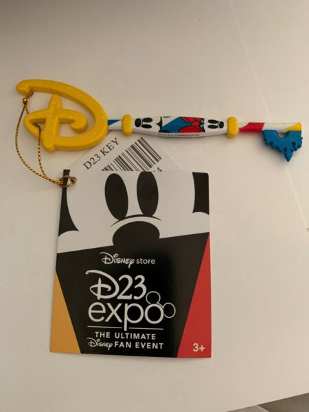Disney Store Mickey Mouse KEY 2019 D23 Expo Exclusive LE Limited Edition NEW