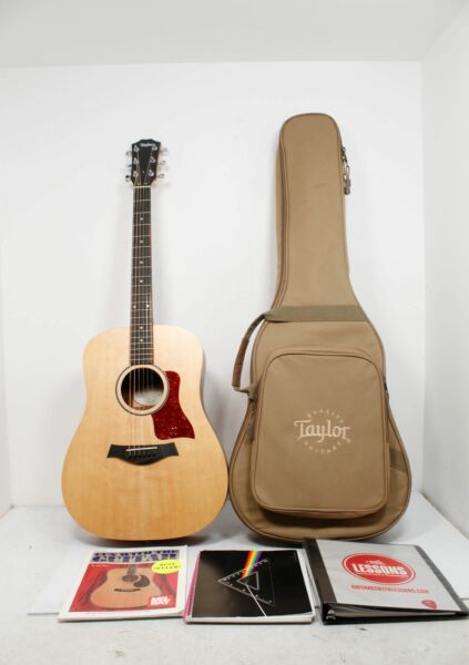 Taylor Big Baby Acoustic Guitar BBT Dreadnought & Travel Case