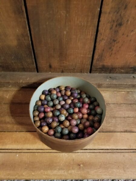ANTIQUE PRIMITIVE FOLK ART WOOD PANTRY BOX VINTAGE 214 CLAY MARBLES