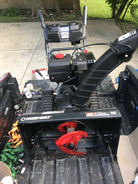 Troy Bilt Vortex Tracker 2890XP 357cc 3 Stage Gas Snow Blower w Electric Start