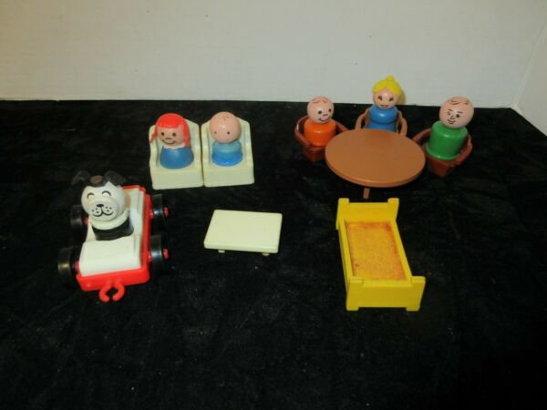 Vintage Fisher Price Wood Little People Dog amp; Furniture $25.00