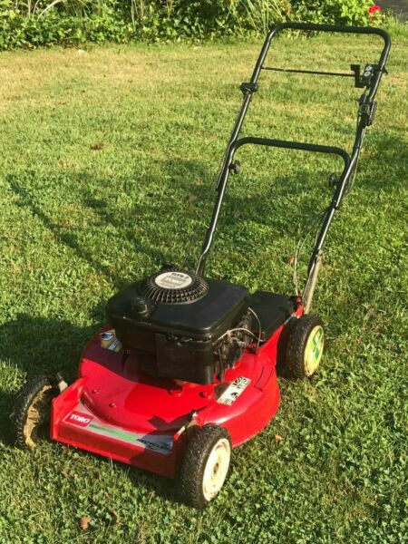 Toro model 20434 Self Propelled Recycler 11 Lawn Mower PICKUP in PLAINVIEW NY