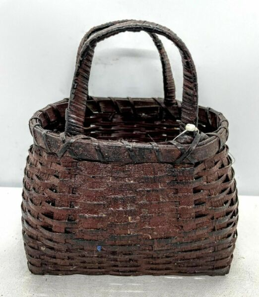"""Primitive Colonial Early American 6"""" x 4"""" Burgundy Basket Retired $12.00"""