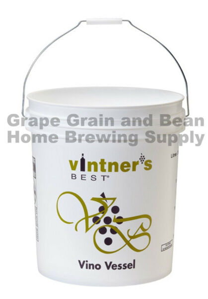 7.9 Gallon Fermenting Bucket with Lid and Airlock Plastic Fermenting Bucket