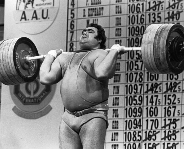VASILY ALEKSEYEV  RUSSIAN OLYMPIC WEIGHTLIFTER 8X10 SPORTS PHOTO (S)
