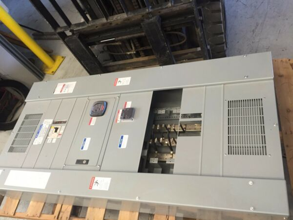 Cutler Hammer Eaton Pow-R-Line PRL4 400 Amp Panel Board 400 Amp Main