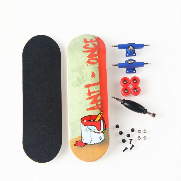 Yellow Basic Canadian Wood Complete Fingerboard -Box with Bearings and Nuts CM15